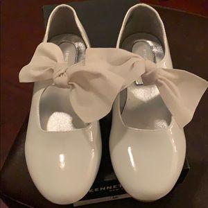 Girls white patent shoe